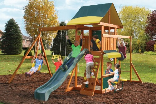 Детская площадка для маленьких детей в Рязани