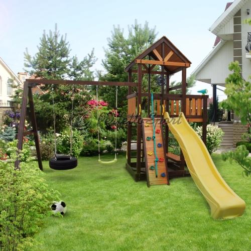 Деревянная детская площадка в Рязани
