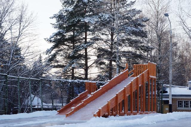 деревянная зимняя горка